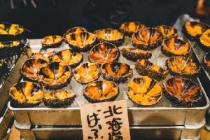 เนื้อวากิว ไข่หอยเม่น อาหารหรูญี่ปุ่นราคาลดฮวบจากพิษโคโรนา
