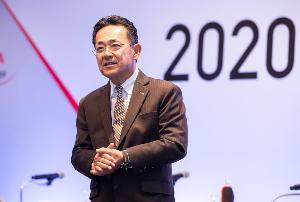 นาย มิจิโนบุ ซึงาตะ กรรมการผู้จัดการใหญ่ บริษัท โตโยต้า มอเตอร์ ประเทศไทย