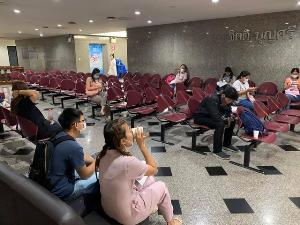 """ชื่นชม! สภากาชาดไทยจัดที่นั่งแบบ """"Social Distancing"""" เพื่อป้องกันไวรัสโควิด-19"""