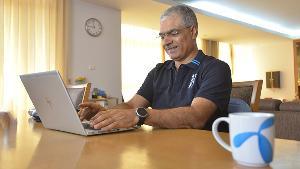 'ดีแทค' เปิดมาตรการแบ่งทีมทำงาน 2 ชุด สลับทำงานที่บ้าน เพื่อให้บริการลูกค้าต่อเนื่อง