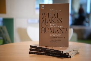 """สสส. เปิดตัวหนังสือ """"สิ่งใดเล่า ทำให้เราเป็นมนุษย์?""""ถ่ายทอดโมเดลการทำงานชุมชนในระดับนานาชาติ"""