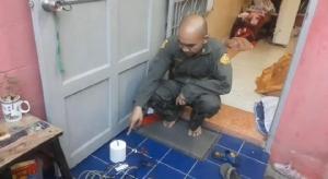 วิศวกรหนุ่มทดสอบโคมไฟก่อนส่งให้ลูกค้าพลาดถูกช็อตดับ