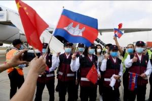 ทีมแพทย์จีนถึงพนมเปญช่วยเขมรสู้โควิด-19 หลังผู้ติดเชื้อเพิ่มเป็น 86 ราย