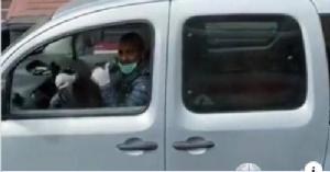 ชาวอิตาลีเปิดกระจกรถยกนิ้วโป้ง ขอบคุณแพทย์จีน ช่วยเมืองปาโดวา-มิลาน
