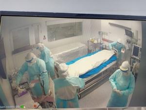 จัดงานศพผู้ป่วยโควิด-19 ได้ ขออย่ากังวล หมอเผยบรรจุถุงซิปล็อก 3 ชั้น ฆ่าเชื้อทุกชั้น ไม่มีแพร่เชื้อ