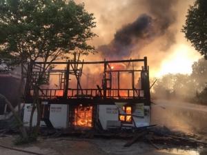 เกิดเหตุไฟไหม้วัดแสวงหา พระดับในกองเพลิง 2 รูป
