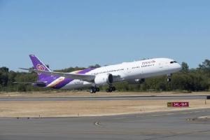 """การบินไทยแจ้งหยุดบินทั่วโลกชั่วคราวตั้งแต่ 25 มี.ค. ในประเทศให้ """"ไทยสมายล์"""" บินแทน"""