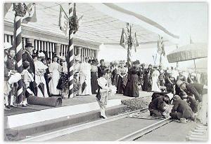 เสด็จเปิดเดินรถไฟกรุงเทพฯ-กรุงเก่า ในวันที่ ๒๖ มีนาคม ๒๔๓๙