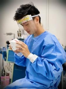 แพทย์หนุ่มโพสต์วอนผู้ใจบุญบริจาคหน้ากากใช้ในการแพทย์ หลัง รพ.แพร่ ขาดแคลนหนัก