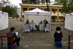 เวียดนามตั้งสถานีตรวจโควิด-19 ฟรีกลางเมืองหลวง ประชาชนแห่ใช้บริการ
