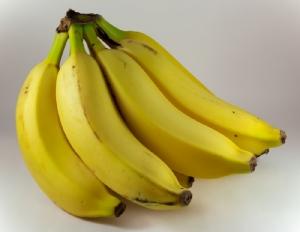 กินกล้วยไม่ช่วยป้องกันโควิด-19