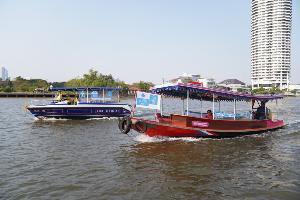 """""""พาณิชย์"""" ส่งเรือธงฟ้านำสินค้าราคาถูกขายคนบ้านริมน้ำสู้ภัยโควิด-19"""