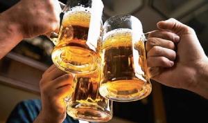 """""""กรมควบคุมโรค"""" เผย ดื่มเครื่องดื่มแอลกอฮอล์ หรือ เอทิลแอลกอฮอล์ ไม่ช่วยกำจัดเชื้อในลำคอ ซ้ำ อันตรายถึงชีวิต"""