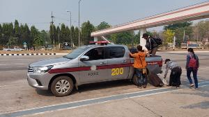 พบแรงงานพม่าถูกทิ้งกลางทางก่อนถึงแม่สอดอีกกว่าครึ่งร้อย