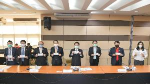 ไปรษณีย์ไทย ร่วมกระทรวงอุตสาหกรรม จัดส่งหน้ากากอนามัยชนิดผ้าแจกจ่ายประชาชนใช้ป้องกันCOVID–19