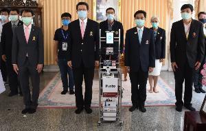 """หุ่นยนต์ปิ่นโต """"Pinto"""" ผู้ช่วยแพทย์ในสถานการณ์โรคระบาดโควิด 19"""