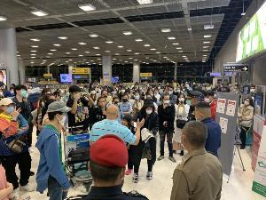 """เผยผลสอบ""""เสธ.โก้"""" ต่อสาย ผอ.EOC สธ.ก่อนปล่อย 152 คนไทยกลับบ้าน หลังเจรจาไม่เป็นผล หวั่นบานปลาย"""