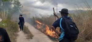 ไฟไหม้ป่าเขาจอมแห 2 วัน ทำเสียหาย 600 ไร่ ชาวบ้านจี้ รมว.ทรัพย์ฯ สั่งลูกน้องทำงาน