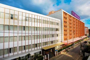 """รู้จัก """"โรงแรมเดอะภัทรา"""" ที่ """"ลุงตู่"""" แอบย่องดูงาน หลังเสียสละเปิดห้องพักรองรับผู้กักตัวโควิด-19"""