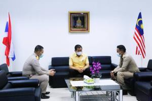 มท.2 ให้ความมั่นใจช่วยคนไทยในมาเลย์ แนะเร่งขึ้นทะเบียนออนไลน์