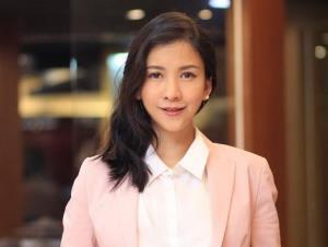 นางสาวภัทรา มณีรัตนะพร ผู้อำนวยการฝ่ายการตลาดและพัฒนาผลิตภัณฑ์ บริษัท แลนดี้โฮม  (ประเทศไทย) จำกัด