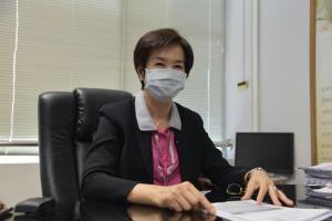 ผู้ได้รับผลกระทบจากพิษโควิด-19 ใน จ.จันทบุรี แห่เปิดบัญชีขอกู้แบงก์ออมสิน