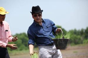 """""""ชัช เตาปูน"""" แนะรัฐเร่งแก้หนี้ ปชช.- อุดหนุนชาวนาให้ไทยเป็นครัวโลก"""