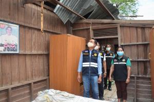 พายุกระหน่ำศรีสะเกษ ฟ้าผ่าเปรี้ยงเผาวอดโรงเรือนเกษตร บ้านเรือน ปชช.พังยับกว่า 100 หลัง