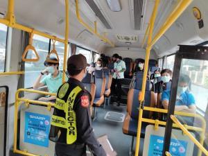 """ประชาชนปรับตัวเดินทาง """"รถไฟฟ้า-เรือ-ขสมก."""" ผู้โดยสารเริ่มเพิ่ม"""