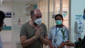 ประจวบฯ ส่งผู้ป่วยโควิด19 รายสุดท้ายหลังรักษาหายดีกลับบ้าน ผู้ว่าฯเผยยังไม่คลายล๊อคดาวน์
