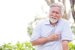 """เหนื่อยหอบ แน่นหน้าอก แยกอย่างไร """"โรคหัวใจ"""" หรือ """"โควิด-19"""""""
