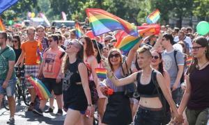 In Clip: ฮังการีเตรียมพร้อมยกเลิกยอมรับแต่งงานเกย์