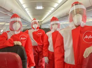 เปิดตัวชุดที่สวมใส่เพื่อป้องกันการติดเชื้อโควิด-10 สำหรับลูกเรือของสายการบินแอร์เอเชีย