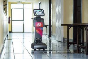 ทรู 5G เคียงคู่สู้โควิดกับโรงพยาบาลราชวิถี เดินหน้าส่งมอบหุ่นยนต์อัจฉริยะ True5G Connect & Care Tech แบ่งเบาภารกิจบุคลากรการแพทย์