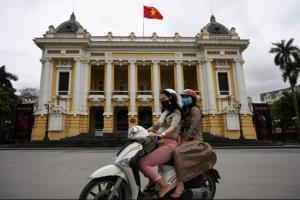 ผู้เชี่ยวชาญชี้รับมือไว ไล่ตะลุยตรวจเชื้อ ประชาชนร่วมมือช่วยเวียดนามคุมโควิดอยู่หมัด