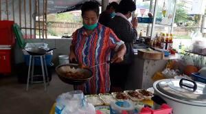 ยิ้มได้  ! ร้านอาหารไม่ติดแอร์ในเมืองอุทัยธานีเตรียมจัดร้านใหม่รับแผนผ่อนปรน