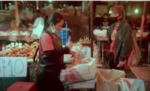 """In Clip : """"นักข่าวฝรั่งตาน้ำข้าว"""" สยดสยองสภาพตลาดสดไทย ชี้อาจกลายเป็นอู่ฮั่น 2"""