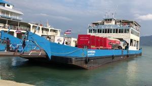 เกาะช้าง-เกาะกูดยังงดรับนักท่องเที่ยว ขณะที่เรือเฟอร์รี่ข้ามฟากเน้นมาตรการเว้นระยะห่าง