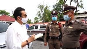 ตำรวจตามรวบอีกรอบหนุ่มหมัดหนักชกลุงหน้าตู้เอทีเอ็ม หลังชาวบ้านผวากลัวถูกทำร้าย