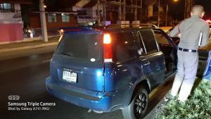 ชายสูงวัยขับรถเก๋งจอดกลางถนน เปิดไฟฉุกเฉินนั่งเสียชีวิตปริศนา