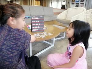 ผุดไอเดีย ปฏิทินเก่าสร้างสื่อการเรียนให้ลูก