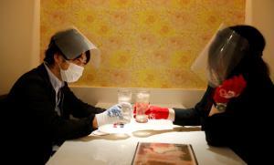 เตือนยอดติดเชื้อโควิด-19 แท้จริงในญี่ปุ่นอาจเป็นแสน ด่ายับรัฐบาลจงใจไม่ตรวจโรค ปชช.