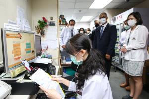 ดีแทค ร่วมกับ รพ.ศิริราช สู้วิกฤตป้องกันผู้ป่วยโควิด-19 ผ่านแอป Siriraj Connect