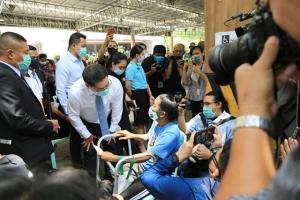 """เผยรัฐบาลทุ่มงบ 3.5 แสนล้านบาทอุ้มคนไทยแล้ว 50 ล้านราย """"อุตตม"""" ยังไม่ยืนยันจ่ายเงินเยียวยา 5,000 บาทต่ออีก 3 เดือน"""