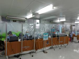ไอซีซี เช็คอัพสุขภาพพนักงานกว่า 3,000 คน รับเปิดห้าง