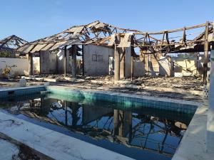 พฐ.ประจวบฯ ตรวจสอบเหตุไฟไหม้เทวัญดารารีสอร์ต หัวหิน เสียหาย 47 ห้อง
