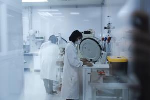 นักวิจัยไทยเตรียมทดลองวัคซีนโควิด - 19 ชนิด mRNA ในลิง