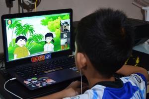เรียนออนไลน์วันที่ 2 เมืองจันท์คึกคัก ผู้ปกครองบอกเด็กเริ่มปรับตัว-ดึงออกจากเกม