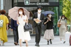 แพทย์ญี่ปุ่นเตือนสวมหน้ากากช่วงอากาศร้อน เสี่ยงวูบได้