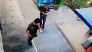 ซ้อนแผนจับอดีตตำรวจหลอกหนุ่มถ่ายของลับโชว์ ก่อนขู่รีดทรัพย์นับแสนบาท